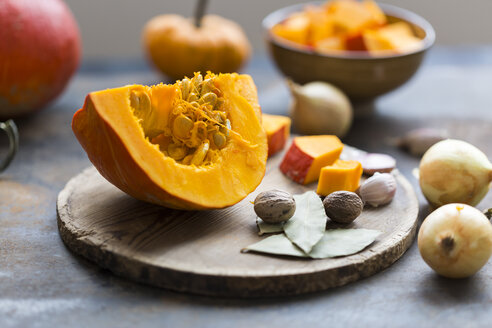 Ingredients of pumpkin soup - JUNF01346