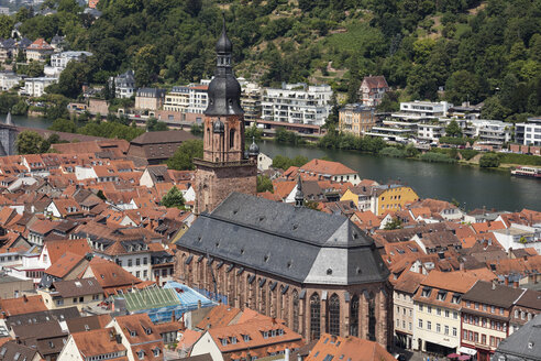 Germany, Baden-Wuerttemberg, Heidelberg, Neckar river, City view with Church of the Holy Spirit - WIF03633