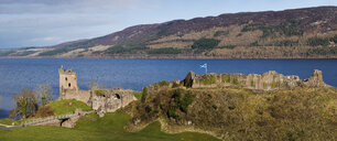 Great Britain, Scotland, Loch Ness, Drumnadrochit, Urquhart Castle in a panoramic view - RAE02145