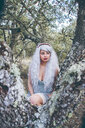 Portrait of a woman in the forest - INGF00189
