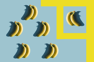 3D Rendering, bananas with fake eyelashes and a couple backwards composition - ERRF00049