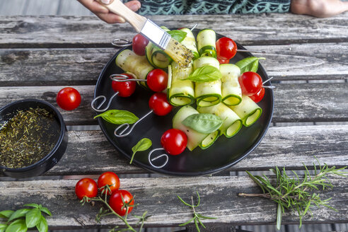 Vegetarian grill skewers, tomato and zucchini slices, brush with rosemary garlic oil - SARF03938