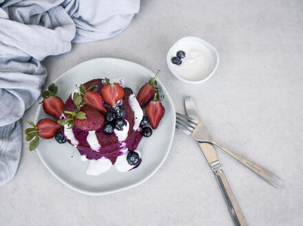 Beetroot pancake with fresh berries and yogurt dip - MBEF01442