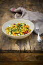 Chick pea salad with curcuma, roasted chick pea, cucumber, tomato and parsley - LVF07472