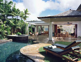 House with swimming pool - LUXF01386