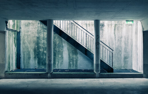 Concrete walk-way with staircase - INGF02736