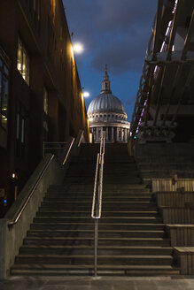 United Kingdom, England, London, St Paul's Cathedral and steps at blue hour - MAUF01734