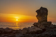 Africa, South Africa, Western Cape, Cape Town, rock formation at sunset - ZEF16042