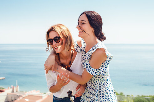 Friends on seaside terrace, Odessa, Ukraine - CUF46501