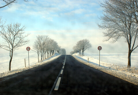 Long straight road on winter day - INGF04206