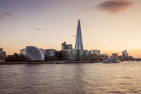 Great Britain, England, London, River Thames with City Hall and The Shard - XCF00171