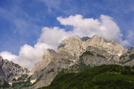 Albania, Shkoder County, Albanian Alps, Theth National Park, Theth, mountains in evening light - SIEF08083