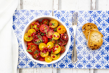 Oriental tomato salad with pomegranate seeds and mint - LVF07524