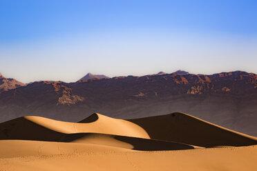 USA, Californien, Death Valley, Death Valley National Park, Mesquite Flat Sand Dunes - FCF01513