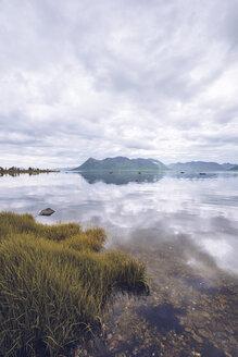 Norway, Senja, coastal landscape - RSGF00085