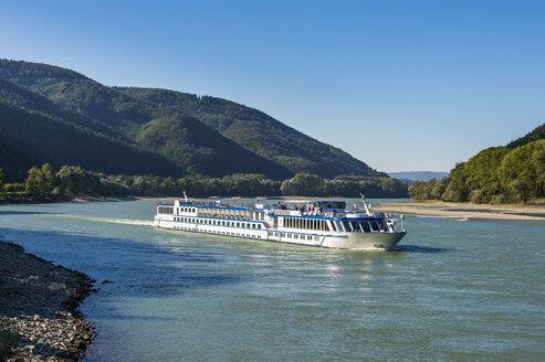 Austria, Wachau, Cruise ship on the Danube - RUNF00147