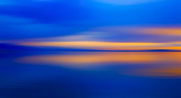 Germany, Bavaria, Chiemsee, Lake at sunset - JTF01138