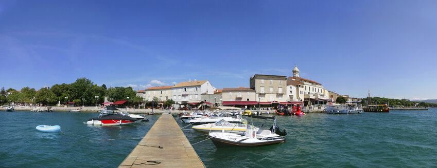 Croatia, Kvarner Gulf, Krk, harbour and boats - WWF04432
