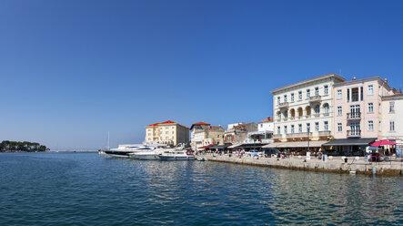 Croatia, Istria, Porec, Old town at harbour - WWF04444