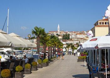 Croatia, Istria, Vrsar, promenade - WW04456