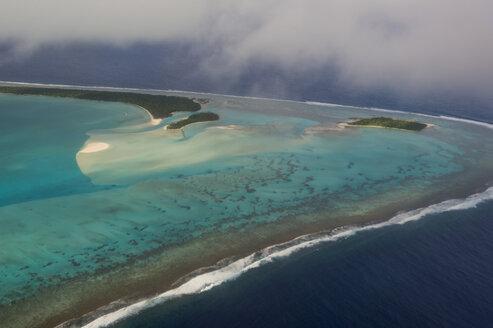 Cook Islands, Rarotonga, Aerial view of Aitutaki lagoon - RUNF00202