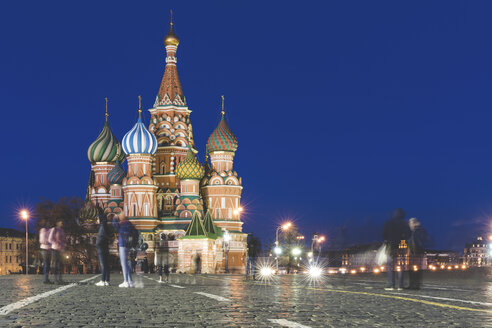 Russia, Moscow, St Basil's Cathedral in the Red Square with people - WPEF01114
