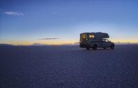 Bolivia, Salar de Uyuni, camper on salt lake at sunset - SSCF00025