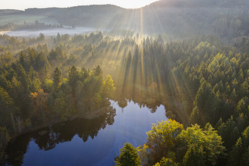 Germany, Bavaria, Upper Bavaria, Toelzer Land, Dietramszell, sunrise over nature reserve Klosterfilz - SIEF08140