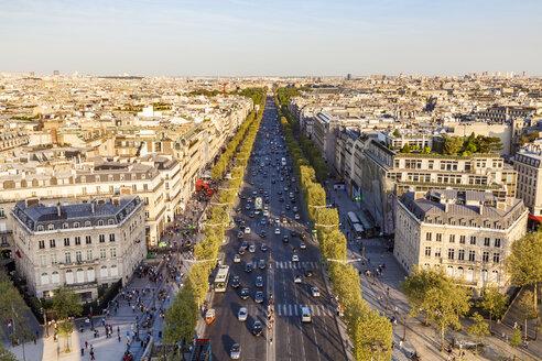 France, Paris, cityscape with Avenue des Champs-Elysees - WDF04876