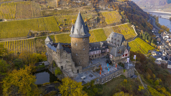 Germany, Bracharach, Aerial view of Stahleck Castle - AM06251