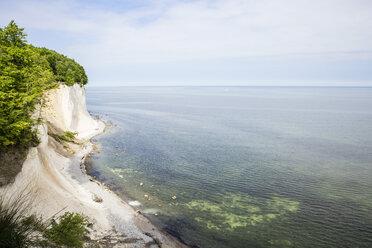Germany, Mecklenburg-Western Pomerania, Ruegen, Jasmund National Park, chalk cliff - MAMF00230