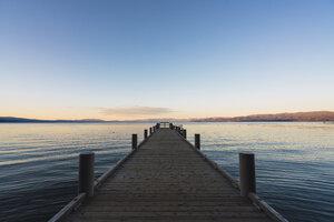 USA, California, Lake Tahoe at sunset - KKAF03029