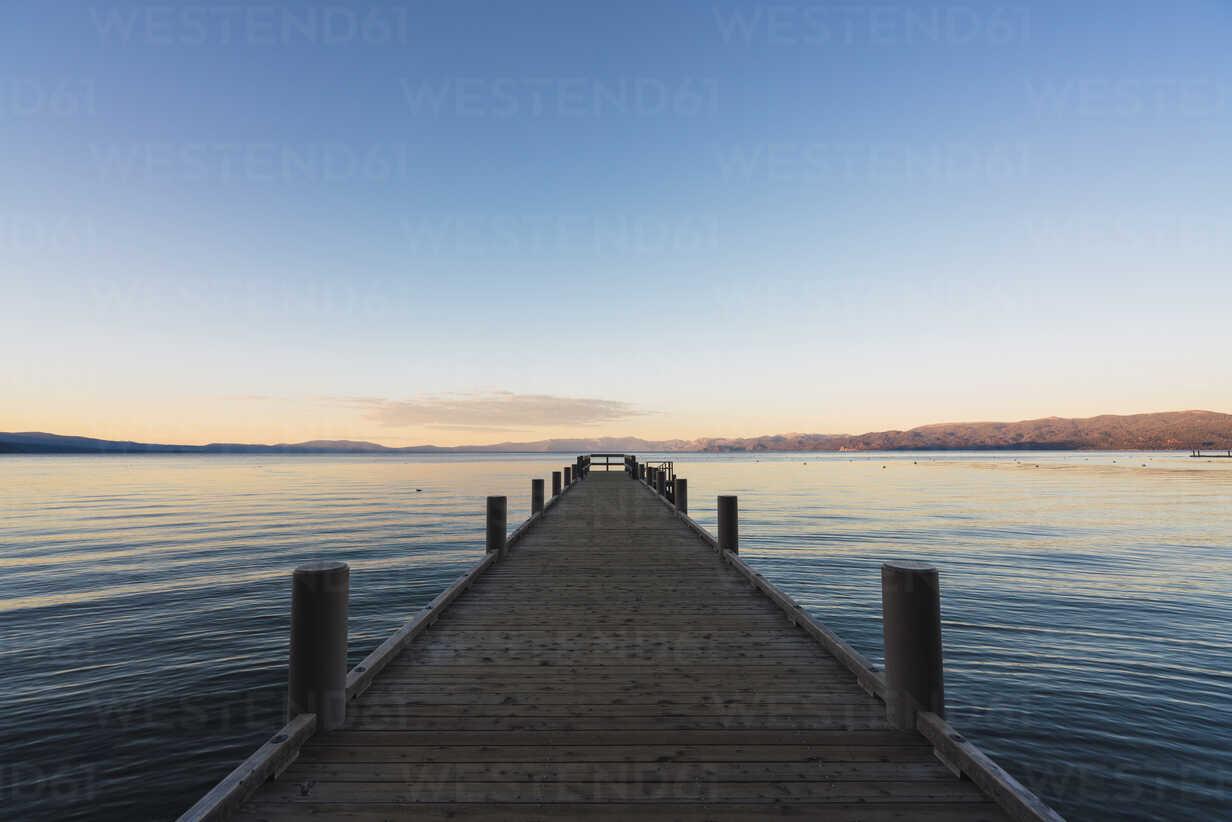 USA, California, Lake Tahoe at sunset - KKAF03029 - Kike Arnaiz/Westend61
