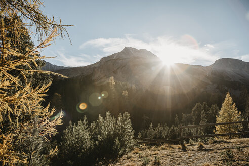 Switzerland, Sun behind the mountains - LHPF00178