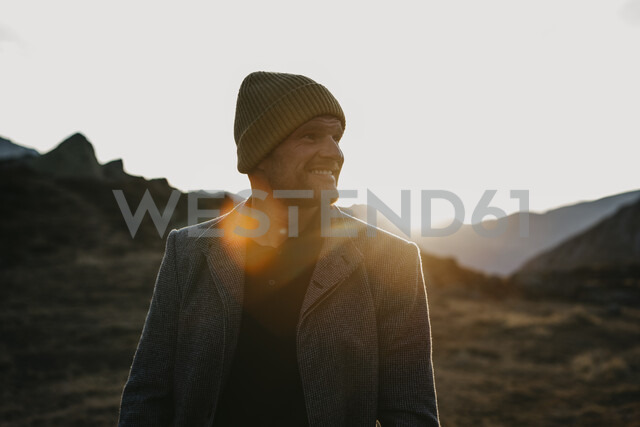 Mature man travelling through Switzerland, standing in nature - LHPF00193 - letizia haessig photography/Westend61