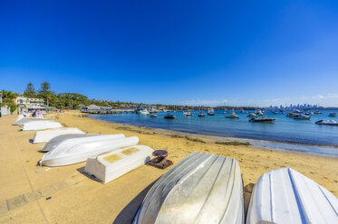 Australia, New South Wales, Sydney, Watson Bay, beach with boats - THAF02385