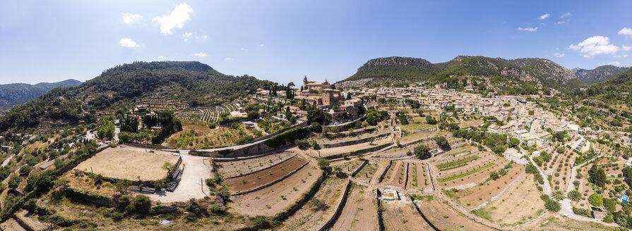Spain, Baleares, Mallorca, Valldemossa, Parish Church Sant Baromeu and Cartuja de Valldemosa - AMF06303