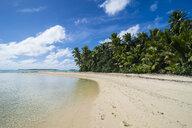 Cook Islands, Rarotonga, Aitutaki lagoon, white sand beach and palm beach - RUNF00283
