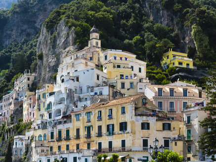 Italy, Amalfi, view of the historic old town - AMF06336