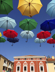 Croatia, Novigrad, Colorful umbrellas - WWF04542