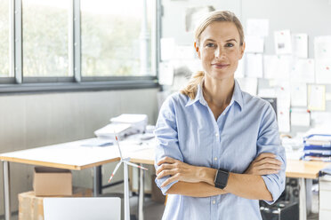 Portrait of confident woman in office - TCF06019