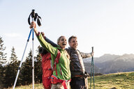 Couple hiking in the Austrian mountains - UUF16040
