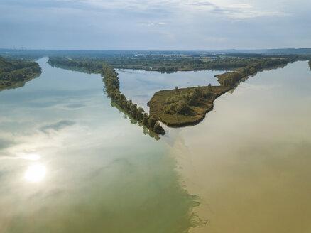 Germany, Bavaria, Burghausen, Salzach river and Inn river, river mouth - JUNF01553
