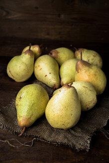 Pears on a wooden board - INGF09334