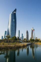 Arabia, Kuwait, Kuwait city, Al Hamra tower and Al Shaheed Park - RUNF00345