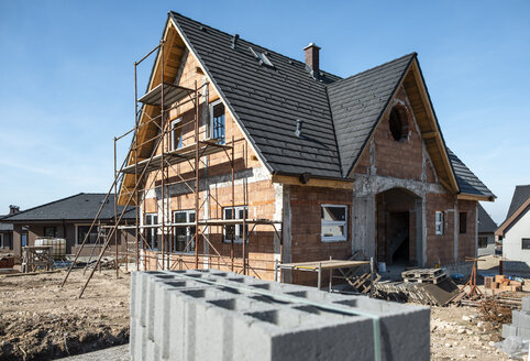 Bulgaria, Plovdiv, one-family house under construction - DEGF00962