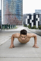 Young man during workout, pushup - MAUF01886