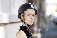 Woman with cycling helmet - FLLF00053