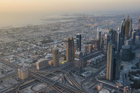 UAE, Dubai, Highrise building in Down Town Dubai - RUNF00369