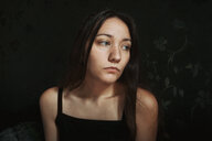 Indoor portrait of a beautiful young woman - INGF10232